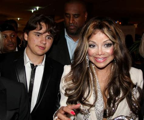 Michael Jackson's son is a TV reporter for Entertainment