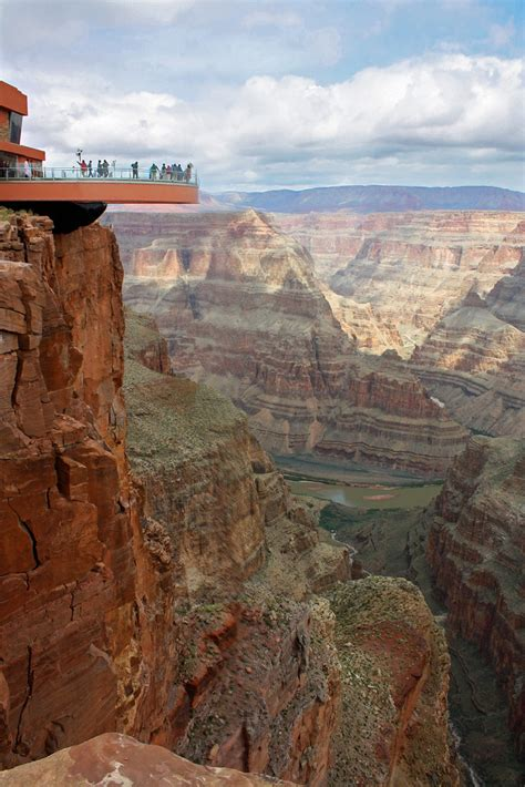 Grand Canyon Skywalk | This cantilevered glass-floored
