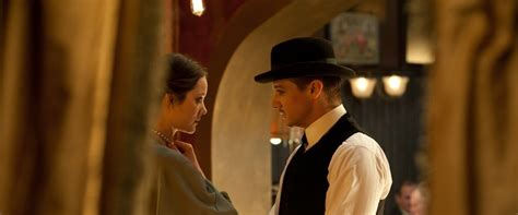 The Immigrant Movie Review & Film Summary (2014) | Roger Ebert